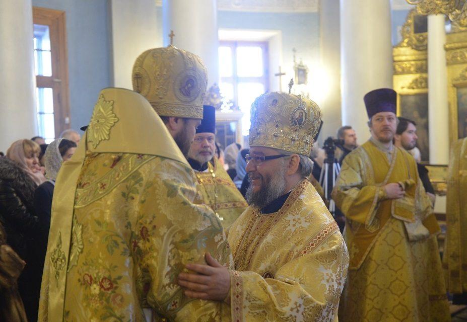 Българската делегация в Москва, начело с митрополит Киприан, отслужи Божествена св. Литургия с Волоколамския митрополит Иларион