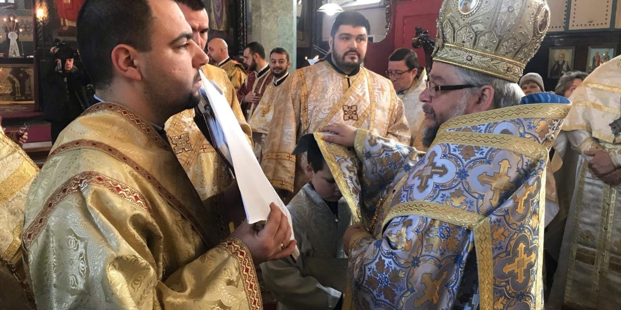 Богоявление в Стара Загора: Подстригаха 8-годишен за иподякон, 21-годишен хвана кръста