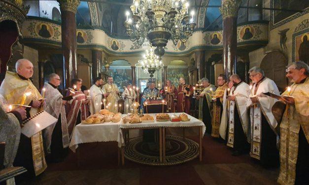 Втора статия на Богородичния акатист в Стара Загора (СНИМКИ)