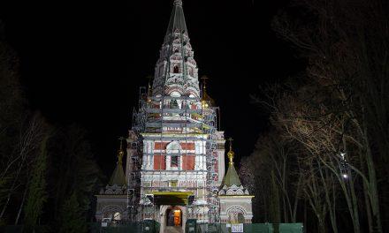 "В навечерието на 3 март – храм-паметник ""Рождество Христово"" грейна с ново осветление"