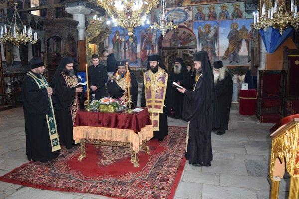 На Месопустна задушница митрополит Киприан отслужи панихида в Бачковския манастир