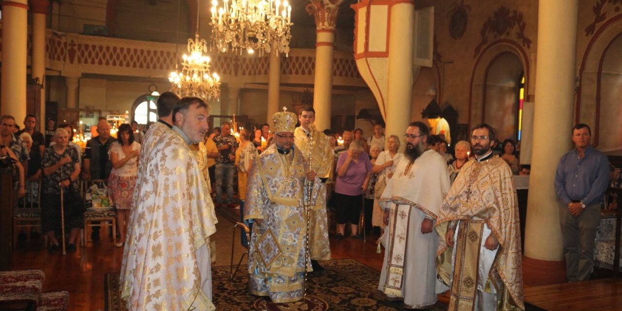 Успение на Пресвета Богородица в Казанлък (СНИМКИ)