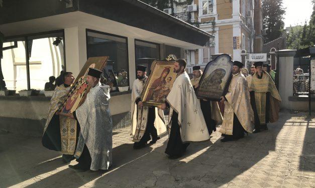 Стотици миряни посрещнаха Чудотворните икони в Стара Загора