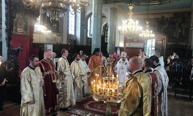 """Неделя на Самарянката – литургия в Катедралния храм """"Св. Николай"""" в Стара Загора"""