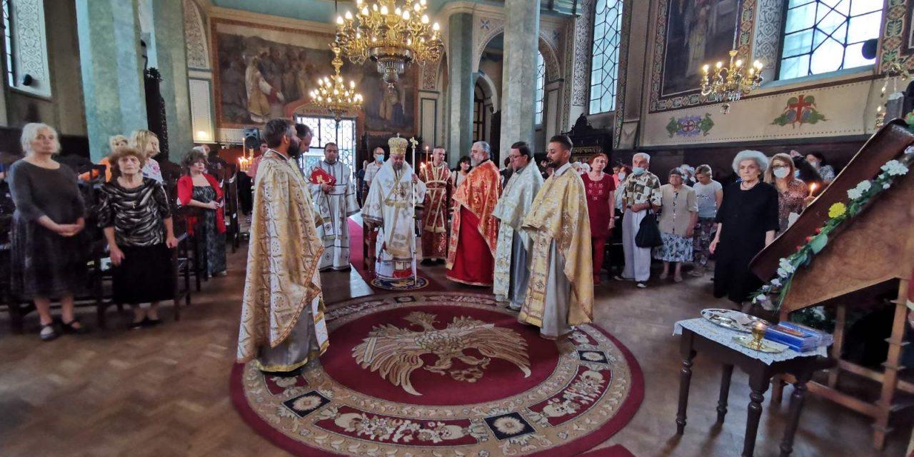 """Митрополит Киприан възглави неделната служба в катедралния храм """"Св. Николай"""""""